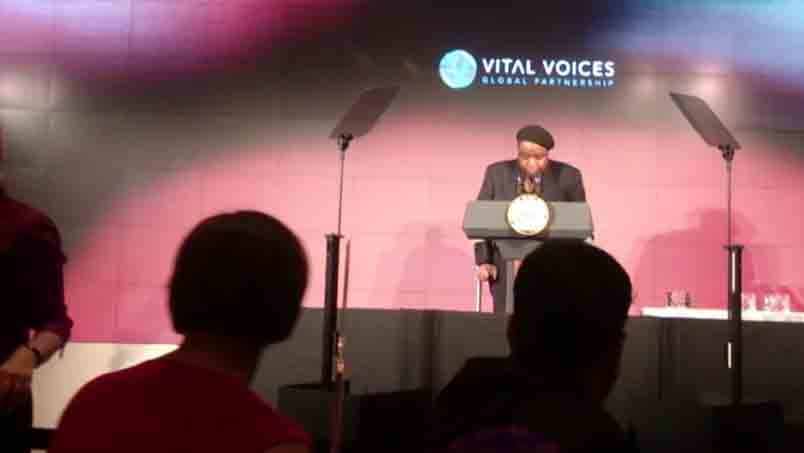 Bafana-Khumalo-receives-Vital-Voices-Solidarity-Award